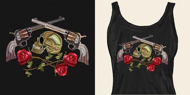 Haftowana Czaszka, Skrzyżowane Pistolety I Róże Premium Wektorów