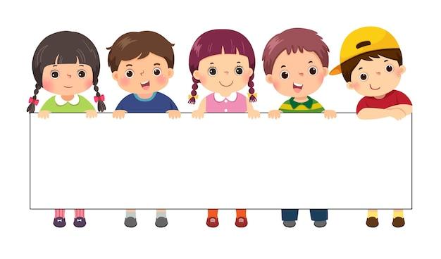 Ilustracja Kreskówka Dla Dzieci Stojących Za Pustym Sztandarem Znak. Szablon Do Reklamy. Premium Wektorów