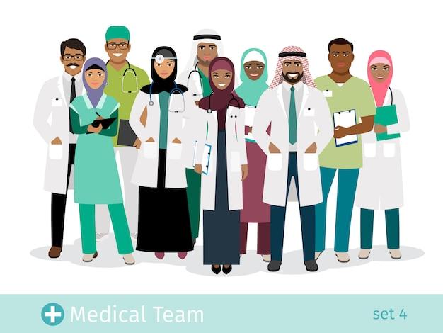 Ilustracja wektorowa zespołu szpitala muzułmańskiego. stały arabski lekarz i chirurg, arabska kobieta pielęgniarka i lekarz mężczyzna Premium Wektorów