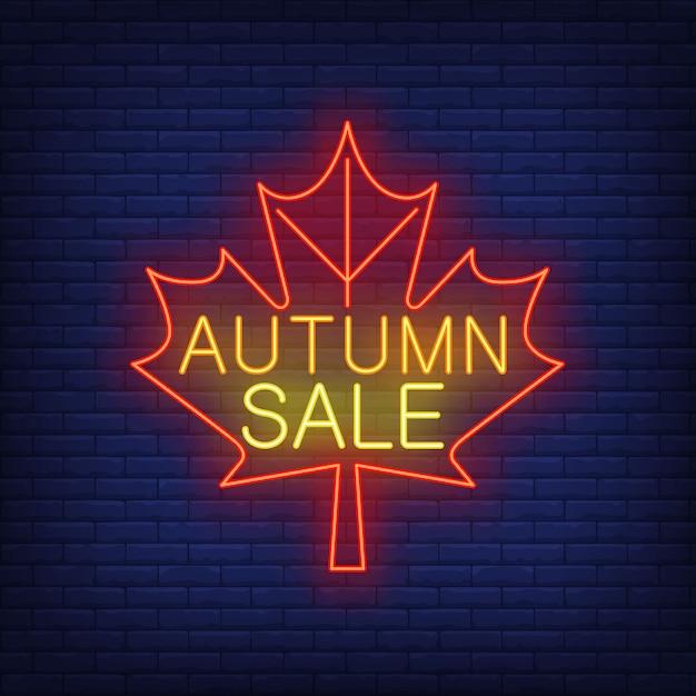 Jesienna Sprzedaż Neon Napis Na Czerwony Liść Klonu Darmowych Wektorów
