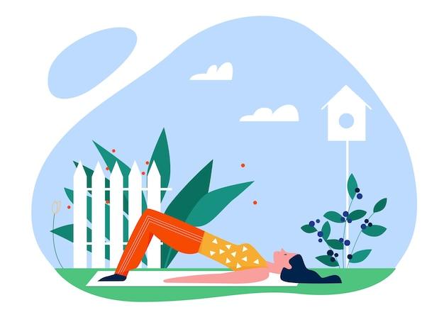 Joga Sport Lato Na świeżym Powietrzu Ilustracja. Kreskówka Aktywna Młoda Kobieta Jogista Postać Szkolenia W Parku, Ciesząc Się Rozciągania Ciała W Jogi, Zdrowy Styl życia Na Białym Tle Premium Wektorów