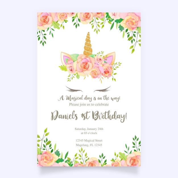 Kartka urodzinowa z jednorożca i różowy kwiatowy Premium Wektorów