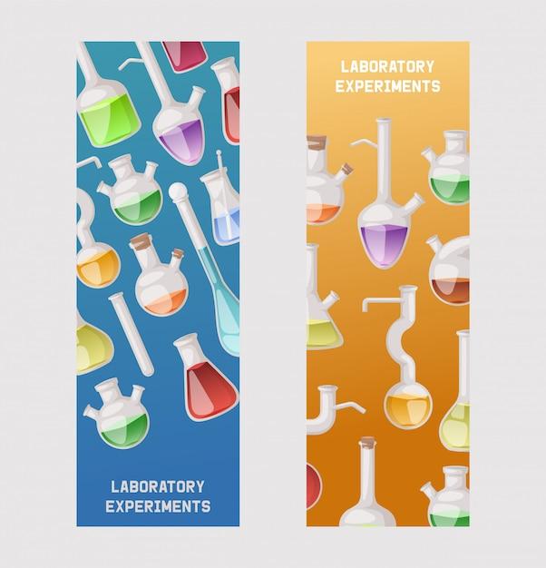 Kolby zestaw bannerów. różne szkło laboratoryjne i płyn do analizy, probówki z płynem pomarańczowym, żółtym i czerwonym Premium Wektorów