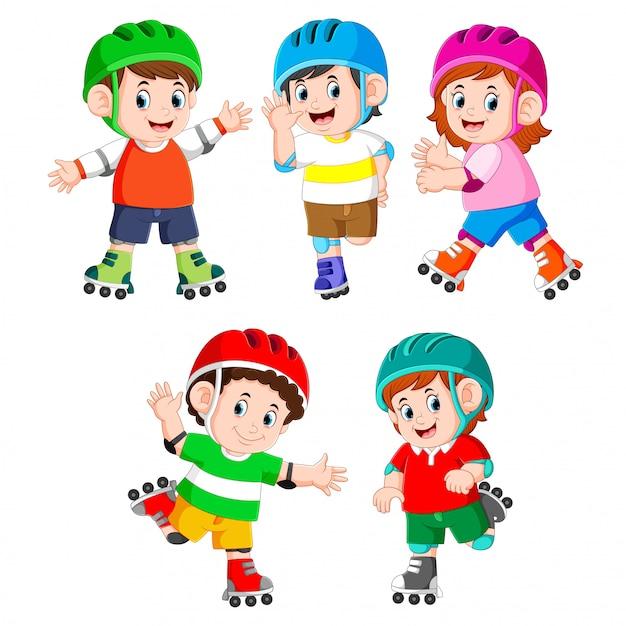 Kolekcja Dzieci Bawiących Się Na Rolkach Premium Wektorów