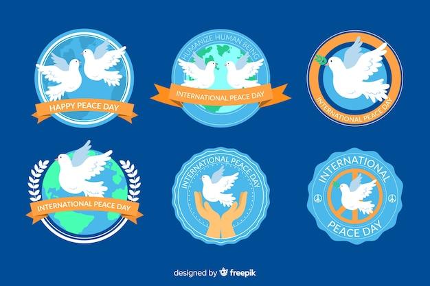 Kolekcja Odznaka Dzień Pokoju Płaska Konstrukcja Darmowych Wektorów
