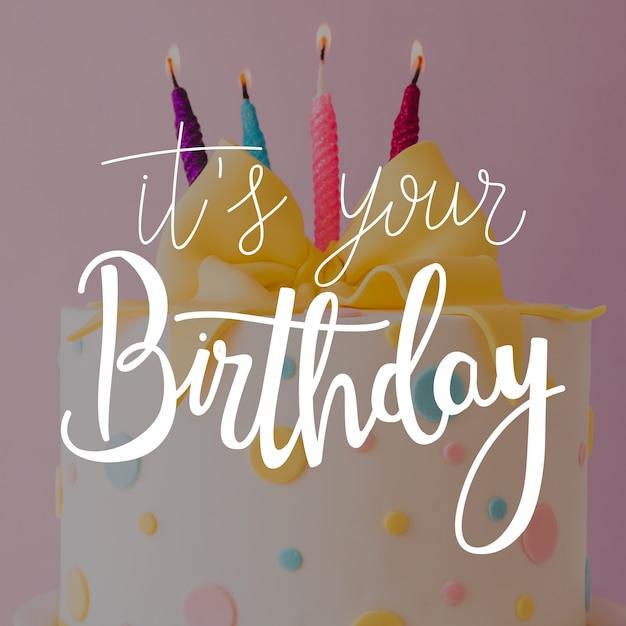 Kolorowe życzenia Z Okazji Urodzin Napis Darmowych Wektorów