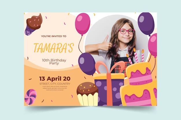Koncepcja Karty Urodzinowe Dla Dzieci Darmowych Wektorów