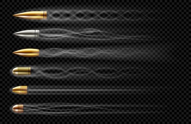 Latające Kule Ze śladami Dymu Z Wystrzału. Realistyczny Zestaw Pocisków Różnych Kalibrów Wystrzelonych Z Broni, Rewolweru Lub Pistoletu Ze Smugą Dymu Na Przezroczystym Tle Darmowych Wektorów