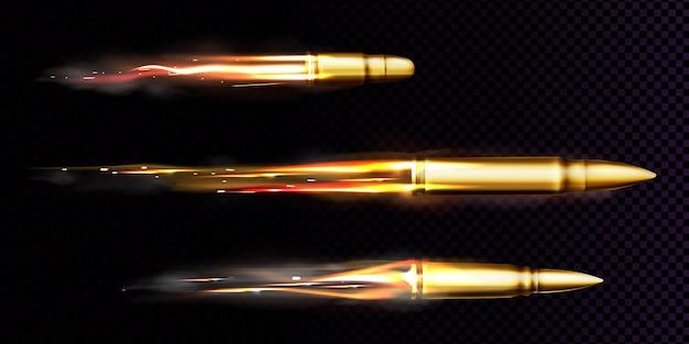 Latające Kule Ze śladami Ognia I Dymu. Realistyczny Zestaw Wystrzelonych Pocisków Różnych Kalibrów Wystrzelonych Z Broni, Pistoletu Lub Pistoletu Ze Smugą Dymu Na Przezroczystym Tle Darmowych Wektorów
