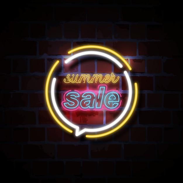 Letnia Sprzedaż Neonowego Stylu Znaka Ilustracja Premium Wektorów