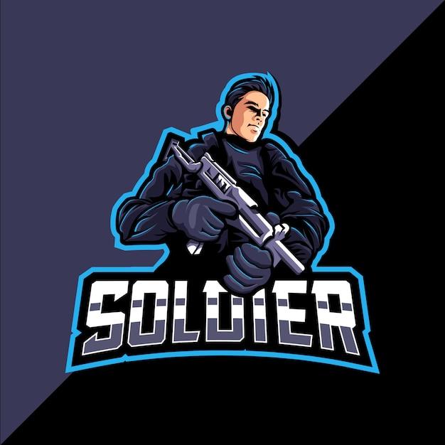 Logo E-sportowej Gry Maskotka Soldier Premium Wektorów