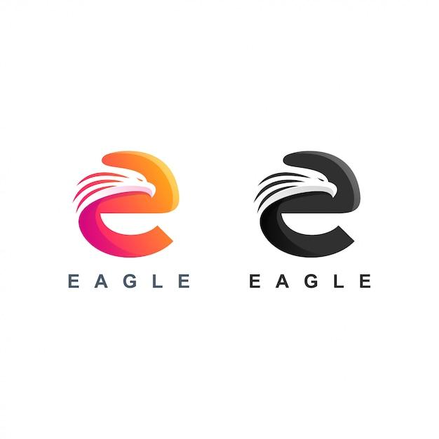 Logo orła litery e. Premium Wektorów