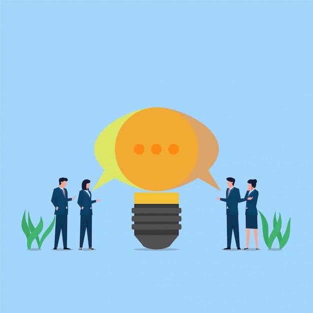 Ludzie Rozmawiają I Tworzą Pomysł Na Metaforę Dyskusji. Biznesowa Płaska Pojęcie Ilustracja. Premium Wektorów