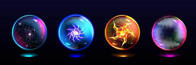 Magiczne Kule, Kryształowe Kule Z Błyskawicami, Wybuch Energii, Gwiazdy I Mistyczna Mgła W środku. Realistyczny Zestaw Szklanych Globusów, świecących Kul Dla Maga I Wróżki Darmowych Wektorów
