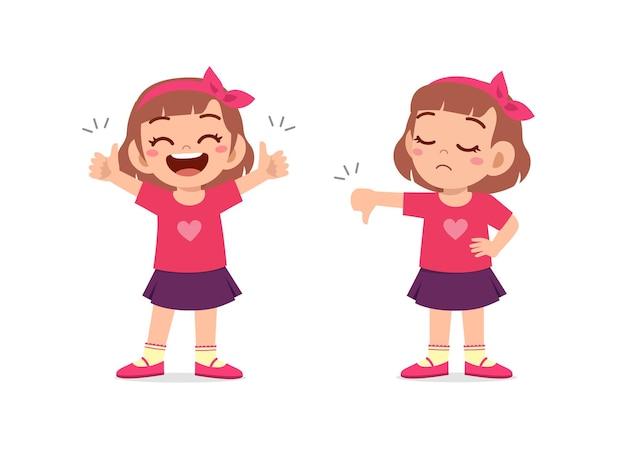 Mała Dziewczynka Pokazuje Gest Ręki Kciuk W Górę I Kciuk W Dół Premium Wektorów