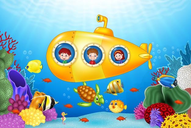 Małe Dzieci W łodzi Podwodnej Na Morzu Premium Wektorów