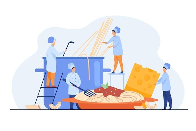 Mali Kucharze Robią Spaghetti Na Obiad Na Białym Tle Płaska Ilustracja. Darmowych Wektorów