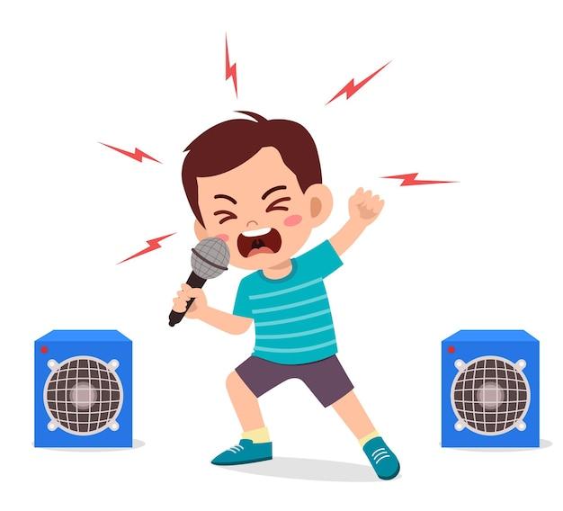 Mały Chłopiec śpiewa Piosenkę Na Scenie I Krzyczy Premium Wektorów