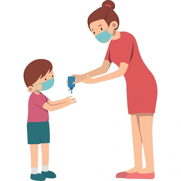 Matka Pomaga Jej Synowi Używać Ręki Sanitizer Ilustrację Premium Wektorów