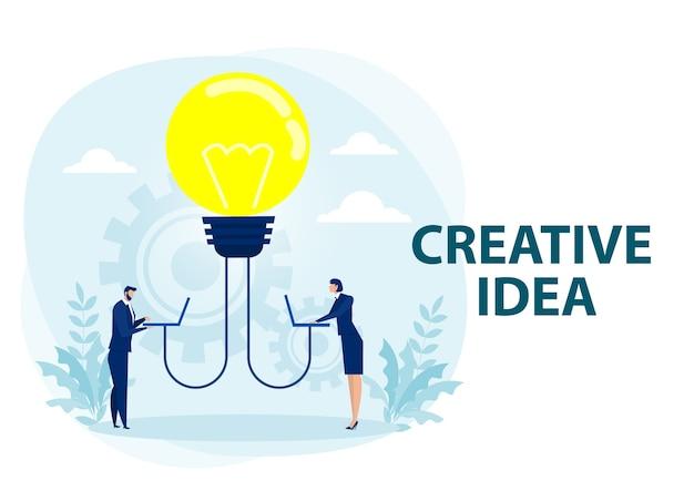 Mężczyzna I Kobieta Dzielą Się Pomysłem Z żarówką, Co Jest Metaforą Poszukiwania Pomysłu. Premium Wektorów