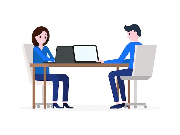 Mężczyzna i kobieta pracuje na laptopach Premium Wektorów