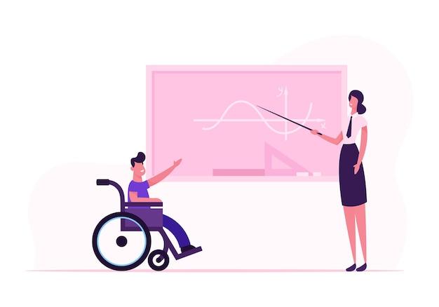 Młoda Kobieta Nauczycielka I Niepełnosprawny Chłopiec Na Wózku Inwalidzkim W Pobliżu Tablicy W Klasie. Płaskie Ilustracja Kreskówka Premium Wektorów