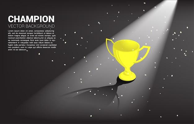 Nagroda złoty puchar puchar ze złotym światłem. tło zdobywca pierwszego miejsca i zwycięstwo Premium Wektorów