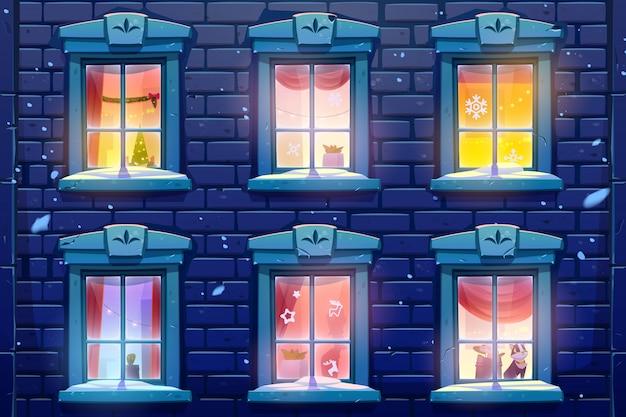 Nocne Okna Domu Lub Zamku Z Dekoracjami świątecznymi I Noworocznymi Darmowych Wektorów
