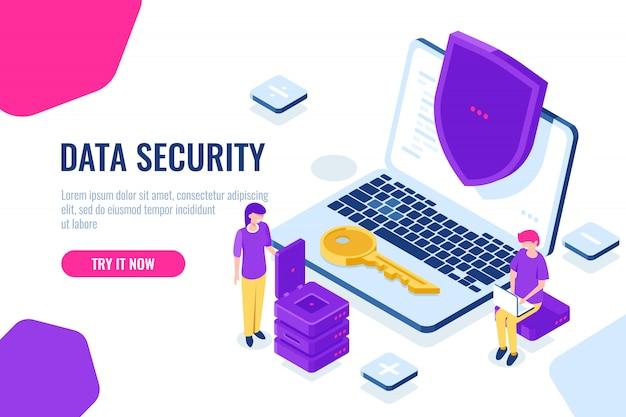 Ochrona i bezpieczeństwo danych komputerowych izometryczny, laptop z tarczą, człowiek siedzieć na krześle z laptopem Darmowych Wektorów