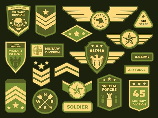 Odznaki Wojskowe. Naszywka Z Odznaką Armii Amerykańskiej Lub Szewron Eskadry W Powietrzu. Odznaka Na Białym Tle Kolekcja Premium Wektorów