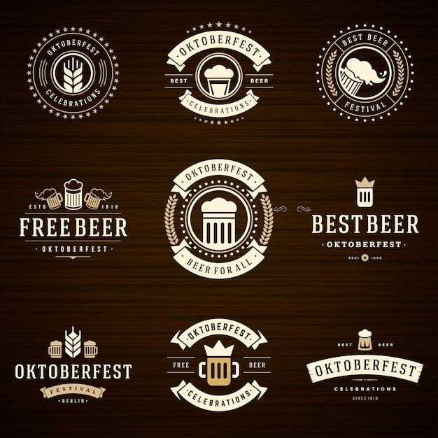 Oktoberfest odznaki i etykiety ustawiają zabytkowe szablony typograficzne Premium Wektorów