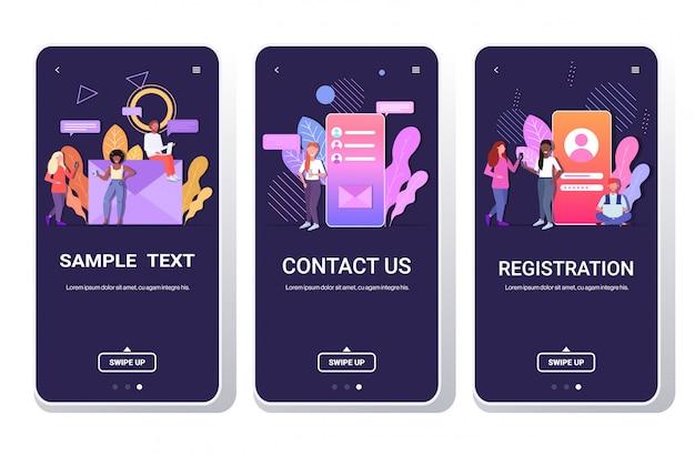 Osoby Korzystające Z Urządzeń Cyfrowych Rejestracja Aplikacji Czat Online Skontaktuj Się Z Nami Koncepcja Sieci Społecznościowej Ekrany Smartfonów Ustawione Na Pełnej Długości Poziomo Premium Wektorów