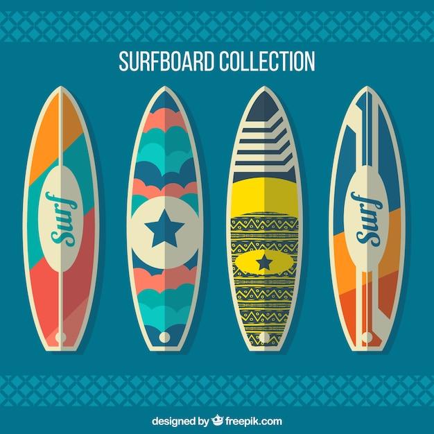 Pakiet Czterech Surfingowe W Płaskiej Konstrukcji Darmowych Wektorów