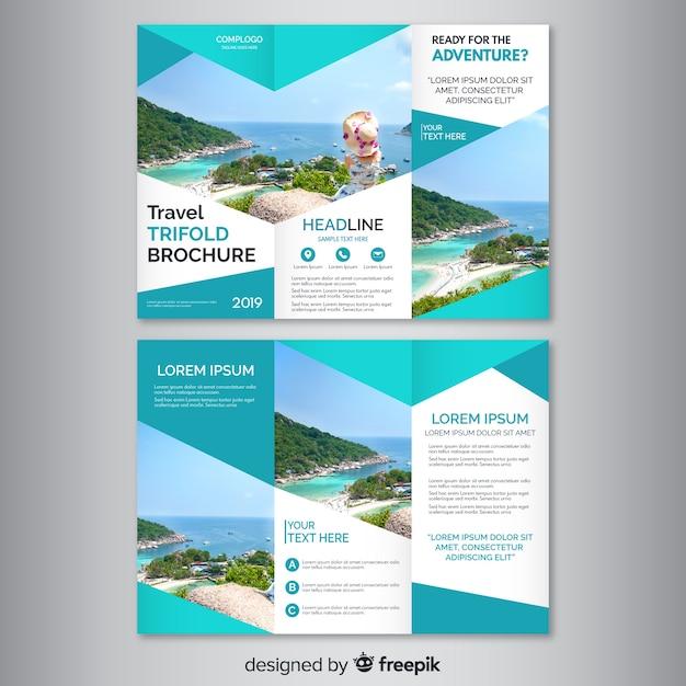 Podróżuj rozdrobnioną broszurą Darmowych Wektorów
