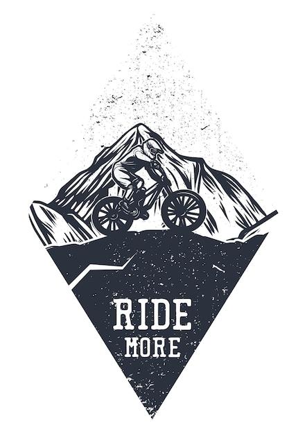 Projekt Koszulki Jeździ Więcej Z Człowiekiem Jeżdżącym Na Rowerze Górskim Vintage Ilustracji Premium Wektorów