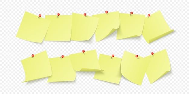 Puste żółte Naklejki Z Miejscem Na Tekst Lub Wiadomość Przyklejone Klipsem Do ściany. Na Przezroczystym Tle Premium Wektorów