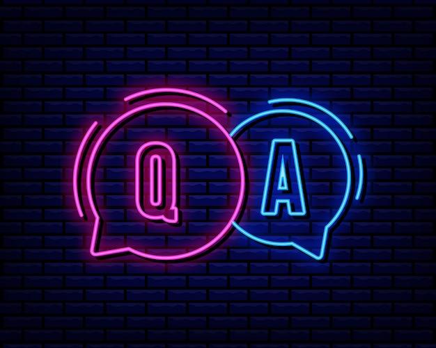 Q i neon Premium Wektorów