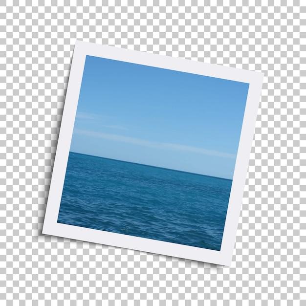Realistyczna Retro Ramka Na Zdjęcia Z Oceanem I Niebem W Kratkę. Premium Wektorów