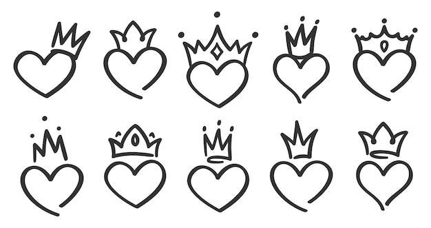 Ręcznie Rysowane Koronowane Serca. Doodle Księżniczka, Król I Królowa Korona Na Sercu, Szkic Miłości Korony Darmowych Wektorów