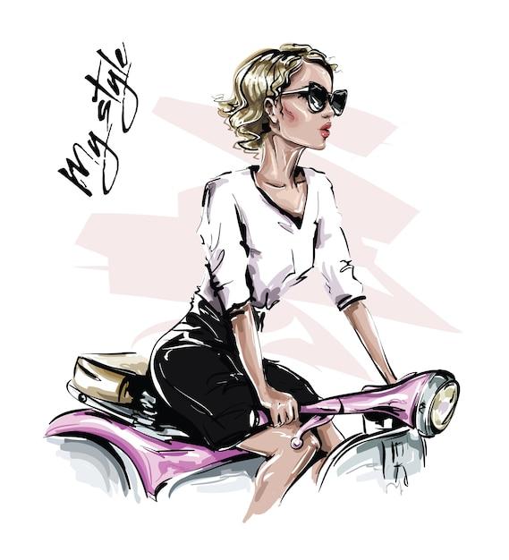 Ręcznie Rysowane Piękna Młoda Kobieta W Okulary Przeciwsłoneczne. Stylowa Dziewczyna Siedzi Na Rowerze. Wygląd Kobiety Moda. Premium Wektorów