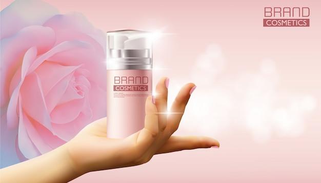 Ręka trzyma kosmetyk różową kiści butelkę na róży, realistyczny projekt, wektorowa ilustracja. Premium Wektorów