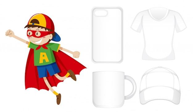 Różne produkty z chłopcem w stroju bohatera Darmowych Wektorów