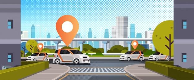 Samochody Z Pinem Lokalizacji Na Drodze Zamawiania Online Taksówki Udostępnianie Samochodów Koncepcja Transport Mobilny Carsharing Usługa Nowoczesne Miasto Ulica Gród Premium Wektorów