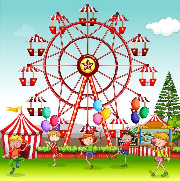 Scena Z Szczęśliwymi Dziećmi Bawić Się W Cyrkowym Parku Darmowych Wektorów