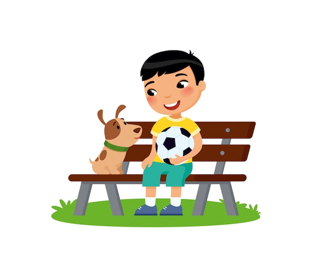 Śliczna chłopiec z piłki nożnej piłką i szczeniakiem siedzi na ławce. szczęśliwa szkoła lub przedszkolak i jej zwierzątko gra razem. Premium Wektorów