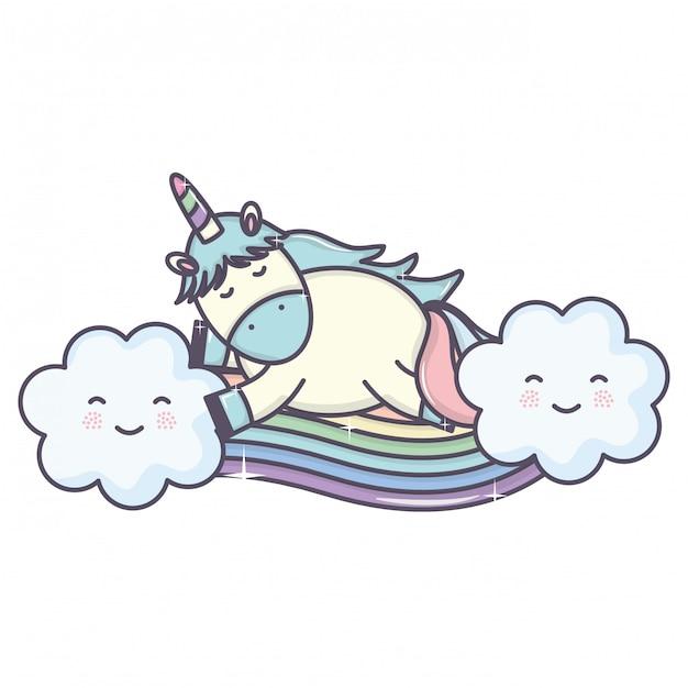 Śliczny uroczy jednorożec z chmurami i tęczą Darmowych Wektorów