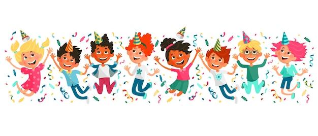 Słodkie Dzieciaki Odbijają Się I Bawią Się Przyjęcie Urodzinowe Dla Dzieci. Premium Wektorów