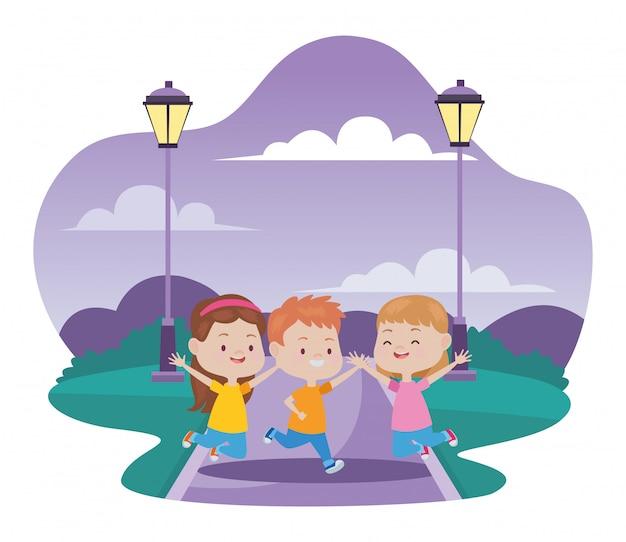 Słodkie szczęśliwe dzieci zabawy Premium Wektorów