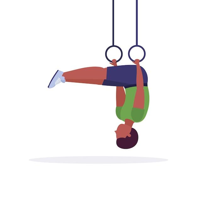 Sportowy Mężczyzna Robi Pierścień Zanurza ćwiczenia Z Pierścieniami Gimnastycznymi Facet Szkolenia W Siłowni Trening Cardio Crossfit Zdrowy Styl życia Koncepcja Białe Tło Pełnej Długości Premium Wektorów