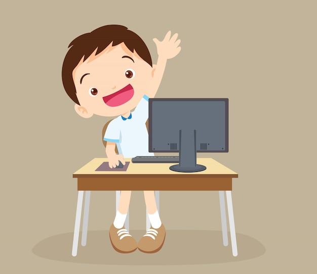 Studencka chłopiec uczenie komputerowa ręka up Premium Wektorów
